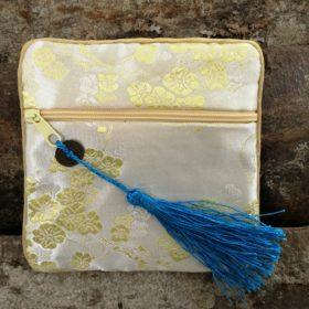 Smuk pung i en lækker kvalitet – cremefarvet