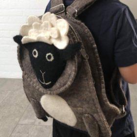 Håndfiltet rygsæk – model får
