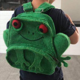 Håndfiltet rygsæk – model frø