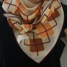 Silketørklæde – Klassisk lys