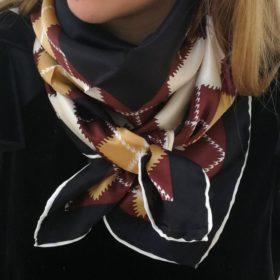 Silketørklæde – Klassisk mørk